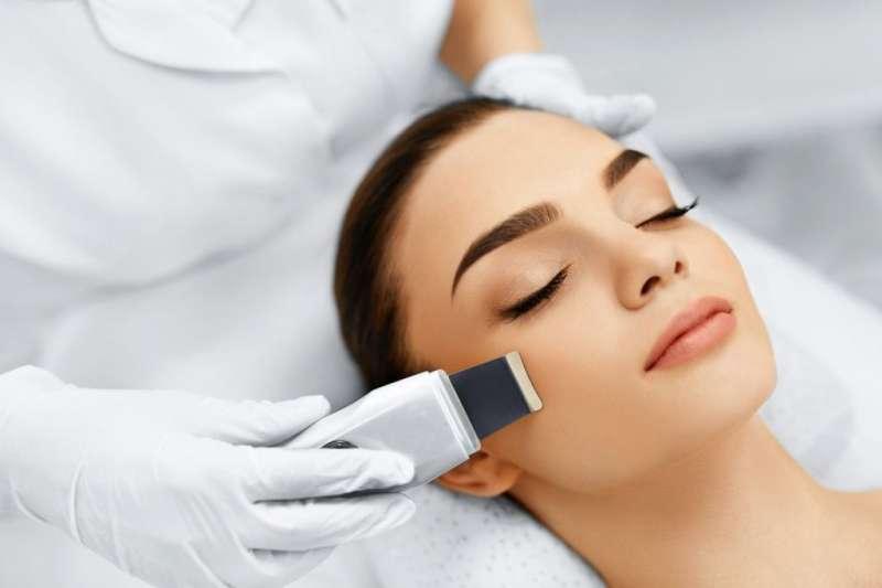 Limpieza  facial, limpieza de cutis con ultrasonidos