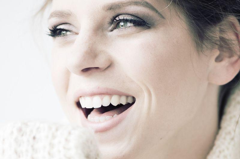 Tratamiento de la sonrisa gingival con ácido hialurónico en solo 30 minutos